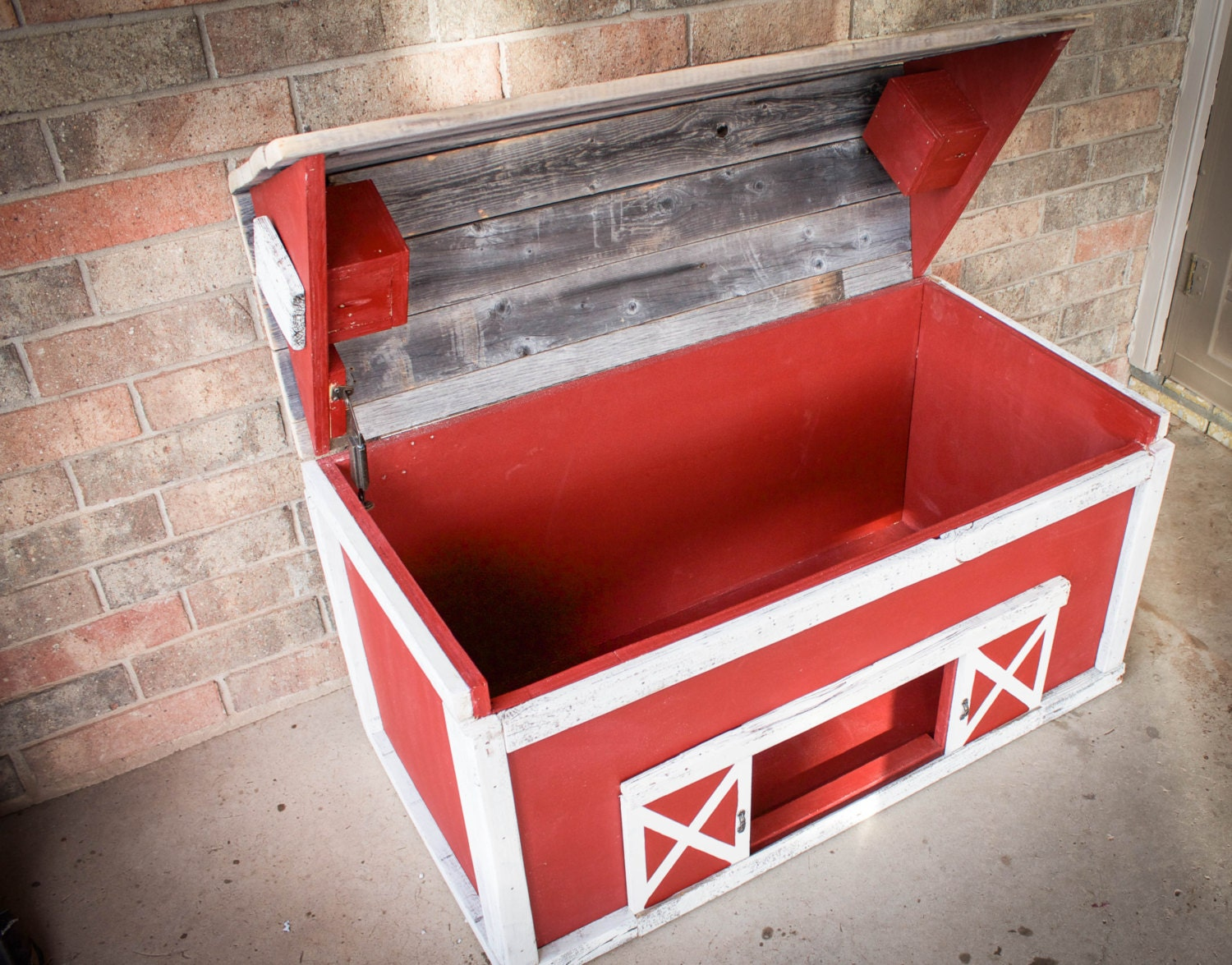 barn wood toy box by drakestonedesigns on etsy. Black Bedroom Furniture Sets. Home Design Ideas