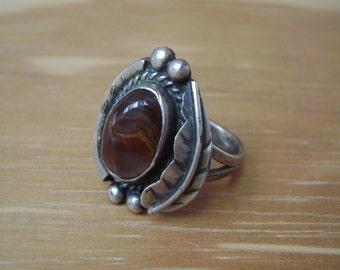 vintage native american feather ring with agate size 6 and a quarter