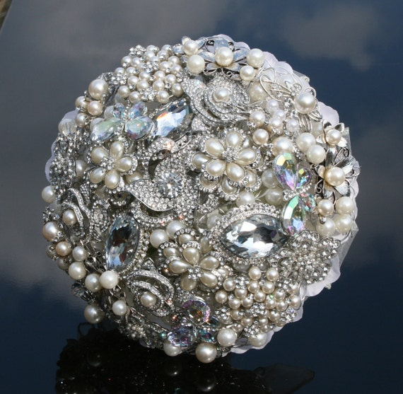Deposit for a Large Brooch Jewelled Bouquet