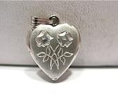 Vintage Sterling Silver Heart Locket Double Flower 12 x 15 mm  1.7 grams #22