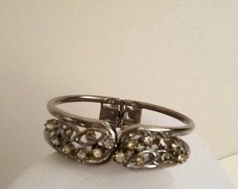 Vintage...Rhinestone Bracelet.  Very cute and fun