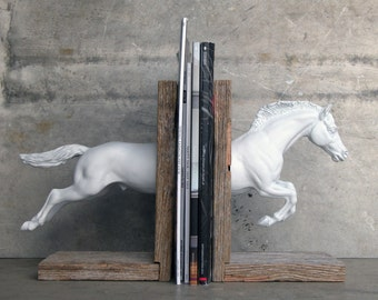 EQUINE COLLECTION hunter jumper horse bookend in white