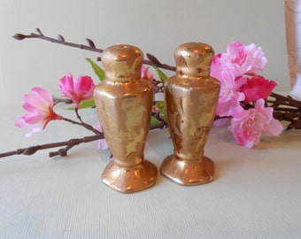Salt Pepper Shakers,Vintage 1940's,  Weeping Gold Shakers, Tabletop, Home Decor, Gold Shakers, Collectible