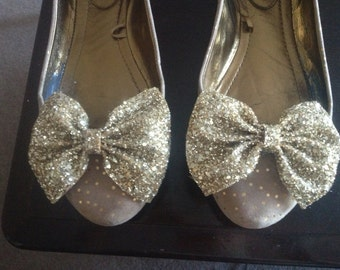 Pair of Gold glitter bow shoe clips, gold glitter bow, shoe clip, handmade shoe clips, glitter gold material, pair of  bow shoe clips