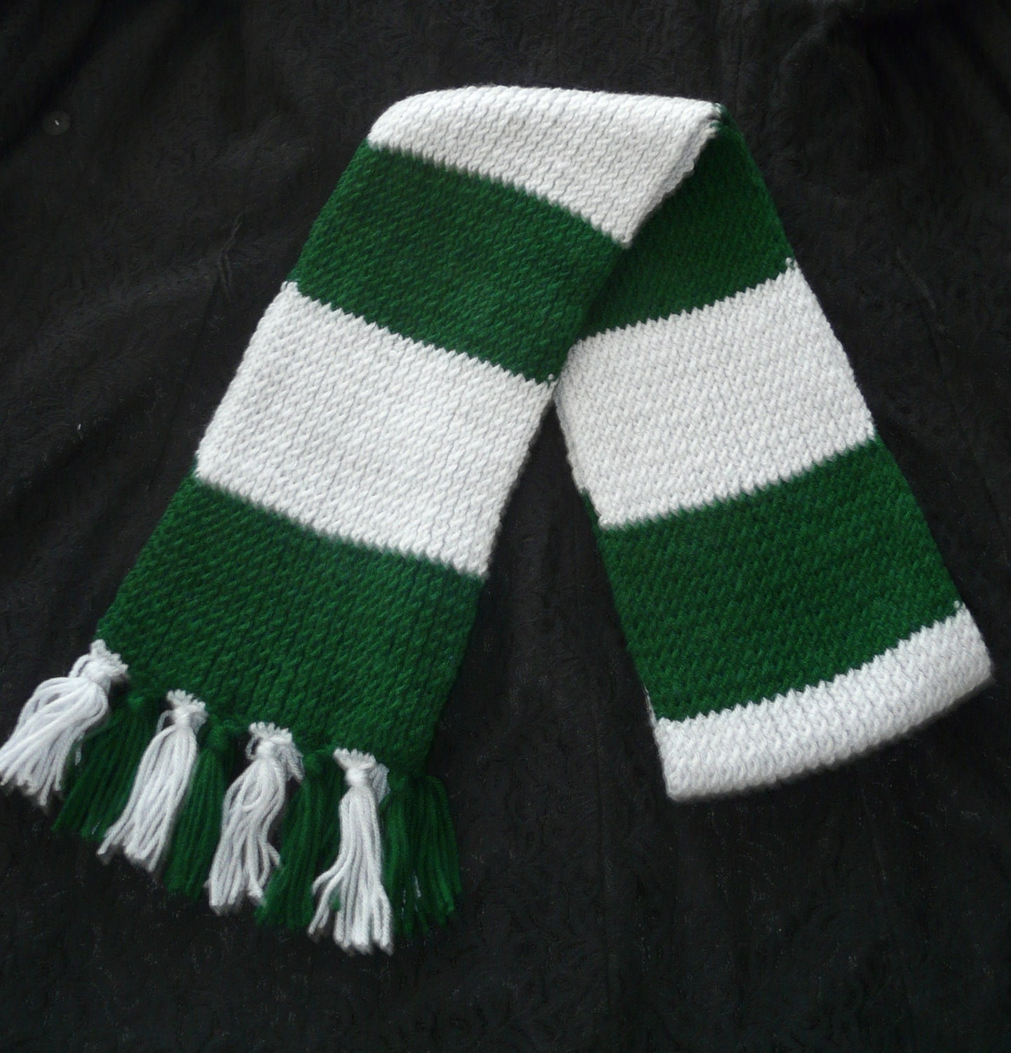 Harry Potter Scarf Knitting Pattern Slytherin : Harry Potter Slytherin knit scarf with tassels by AinsDesign