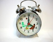 Vintage mechanical clock alarm clock Diamond mechanical with hen