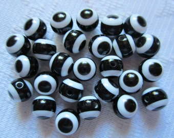 25  White & Black Striped Eye Round Resin Acrylic Beads  8mm