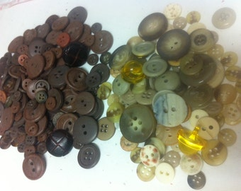 135 bulk mix  brown and beige  plastic buttons