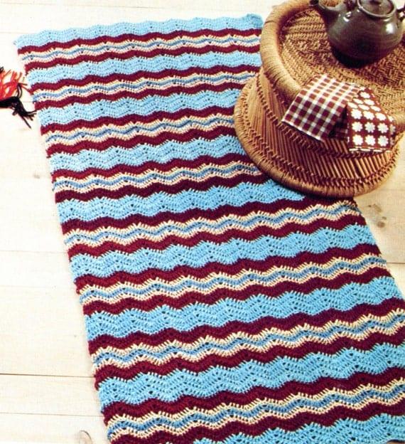 Free Crochet Football Rug Pattern : Classic Chevron Rug PATTERN Crochet