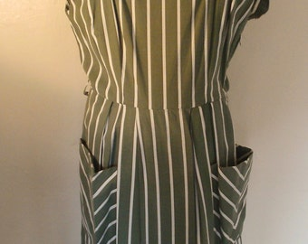 1950s St Michael crisp striped cotton day dress with large pockets