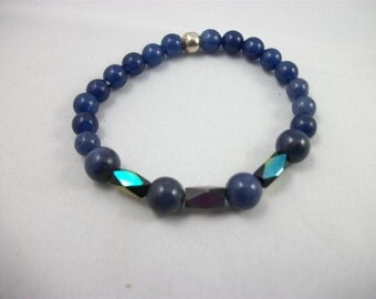 Hand-crafted child's stretch bracelet, saphire beads and three vitrail beads