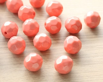 10pcs of Salmon Polished Faceted Round Acrylic Beads - 18 mm