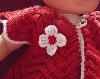 Small crocheted vest red and white