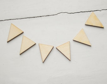 SET of 6pcs - LITTLE wooden triangles, made of unfinished unpainted wood, natural wood, ready to decorate, make your own necklace