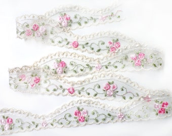 4 YARDS Ivory Lace Trim Ribbon with Embroidered Flowers 1.1 '' for Crafts, Sewing , Accessories