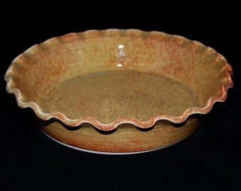 Porcelain Pie Plate with fluted edge in Honey Glaze