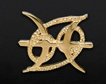 42 Cancer and Pisces Gold Unity Pendant