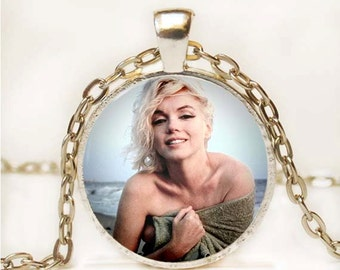 Marilyn Monroe Photo Pendant Necklace Resin Marilyn Monroe Necklace Resin Charm Photo Necklace