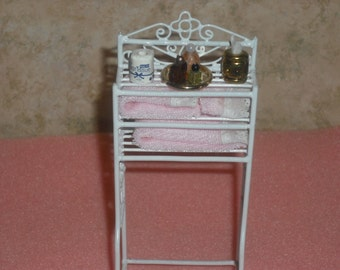 1:12 scale Dollhouse bathroom space saver