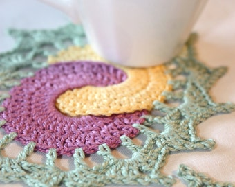 Crochet coaster pattern in PDF format, small doily, kitchen accessory, customizable colors