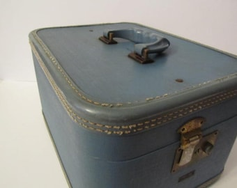 Vintage train case, vintage luggage, travel case, overnight bag