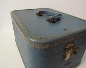 Vintage train case, vintage luggage, travel case, overnight bag