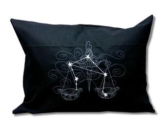 Oreiller de constellations écliptiques noctulescents