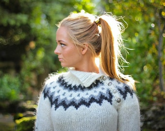 Handknitted sweater from 100% icelandic wool