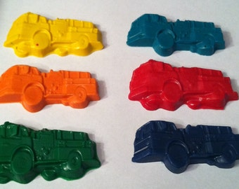 Birthday Party favor  -12 Firetruck crayons - goody bag - fire engine - firman