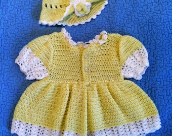 Yellow and White Short Sleeved Sweater Dress & Hat