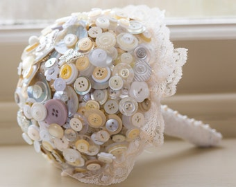 Button bouquet white, cream and pearl