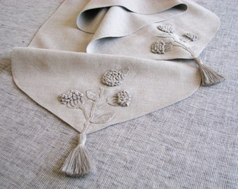 Natural grey linen table runner decorated with handmade  crocheted flowers motifs-natural  fabric-unbleached-with tassels-made to order