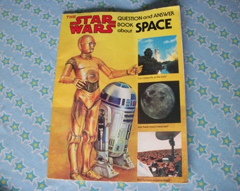 Star Wars Star Wars  paper back book R2D2 and 3CPO question and answer about Space 1979 Scholastic books