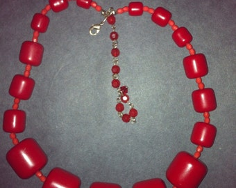 Vintage 40s Chunky Lucite Necklace