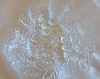 TWO BERRY BOWLS Indiana Glass - 1923 - 1933 - Loganberry Pattern