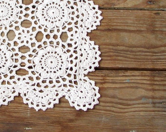 Crochet doily, Hand crocheted doilies , lace tablecloths , Beige , table decoration vintage doily, vintage gift