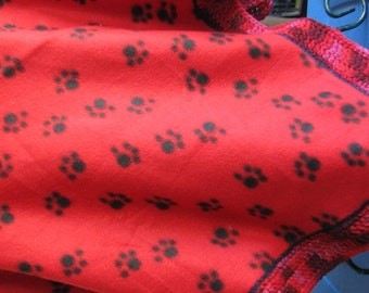B-018/B-019 Red Paw Print Fleece Blanket