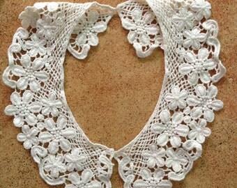 Beige Cotton Lace Collar Emboridery Collar Appliques 1 Pair