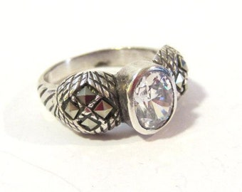 Vintage sterling silver CZ & Marcasite ring size 8