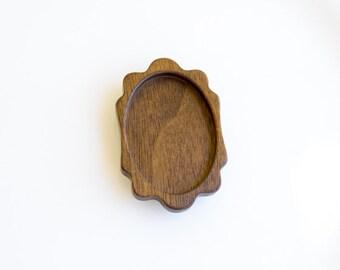 NO Laser Cut Fine Wooden Brooch Blank - Walnut - 32 x 45 mm - (K2-W)