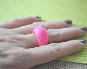 Pink Ring, Vintage Ring, Acrylic Pink Ring, Bubble Ring, Chunky Ring, Statement Ring, Cocktail Ring, Size 7.5 Ring Retro Ring