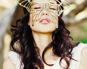 Butterfly leather mask in Gold