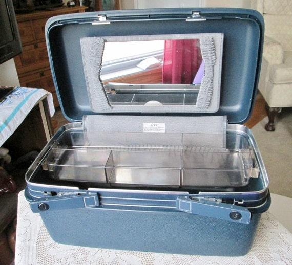Samsonite Makeup Train Case W Key Navy Blue Holiday Luggage