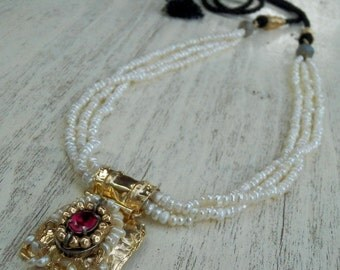 Statement Necklace, Pearl Necklace, Bridal Necklace, Baroque Style Necklace, Bezel Set Necklace, Queen Necklace