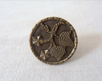 Vintage Victorian Leaf Button Ring