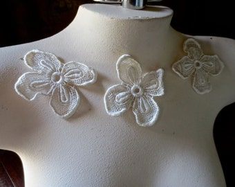 3 IVORY Lace Applique Flowers  for Bridal, Garments, Costume Design IA 300