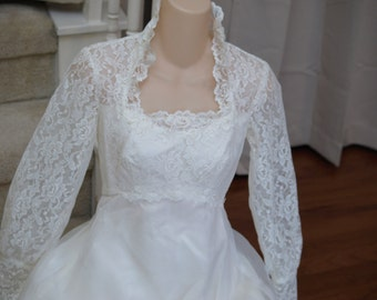Ruffles & Lace - Retro Wedding Gown