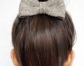 Beige VINTAGE Wool Hair Bow / BowTie - Limited edition - Hand made hair bow, Vintage Wool, So soft, Alligator clip