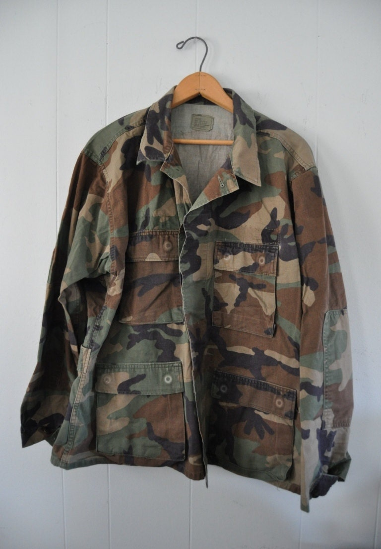 Vintage 80s Army Fatique Woodland Camo Shirt Light Field