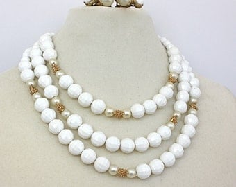 Vintage 60s Necklace Earrings White Beads & Pearl Choker w Gold Accents